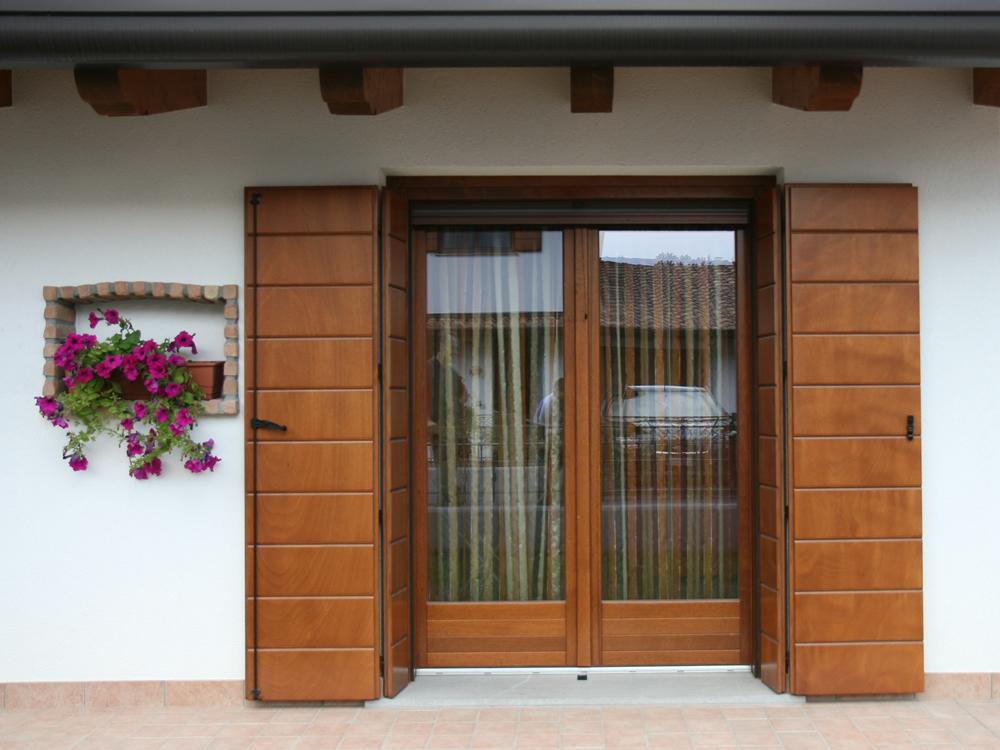 Vendita e installazione finestre in legno pvc e alluminio in tutta la provincia di gorizia - Finestre di legno ...